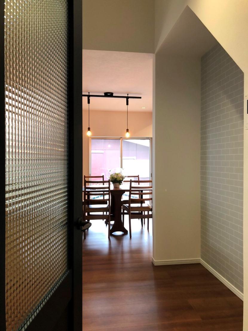 caféのような開放的なLDKのある住まい